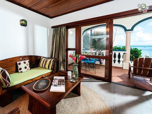 Le Petit Hotel, livingroom